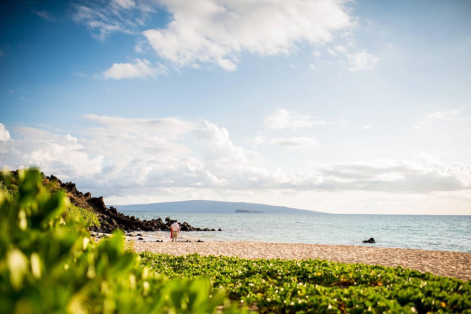couple on the beach in maui