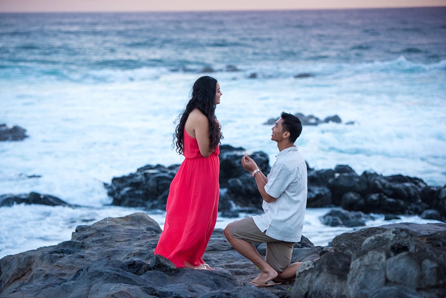 proposing on a cliff in maui