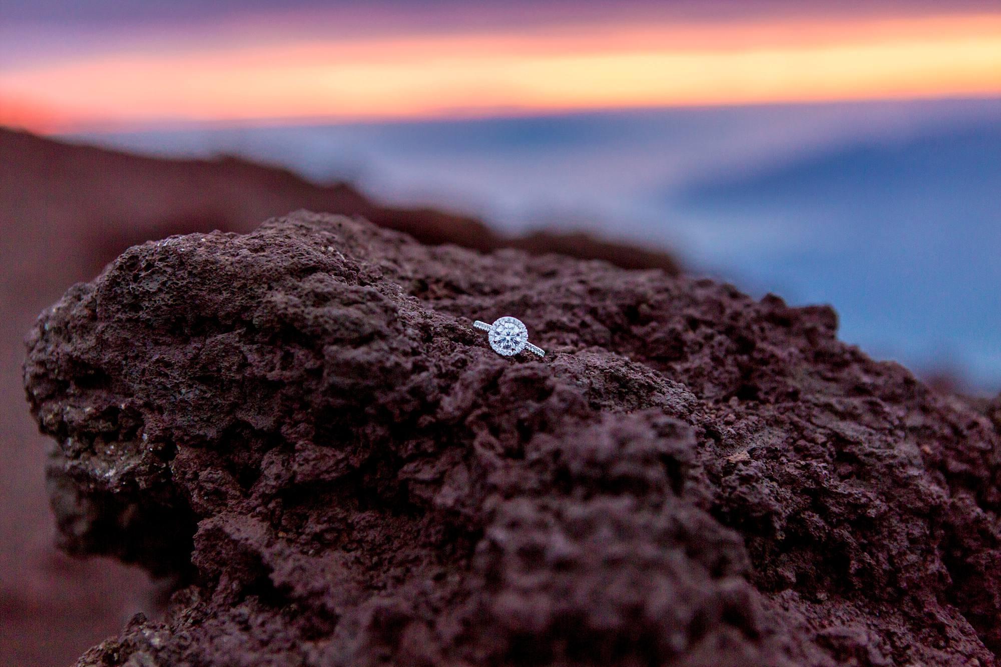 engagement ring halo setting