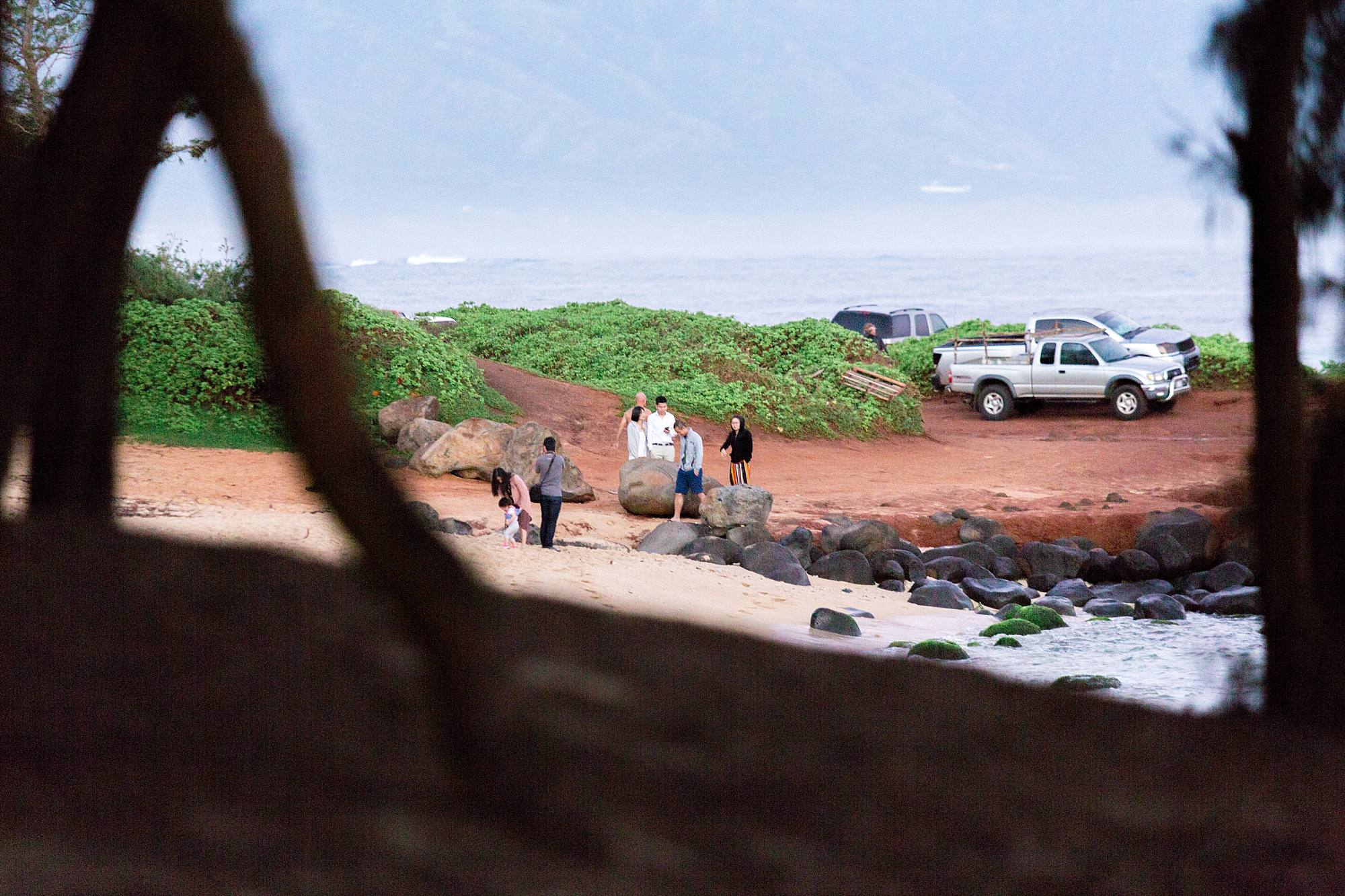 friends walking toward northshore beach