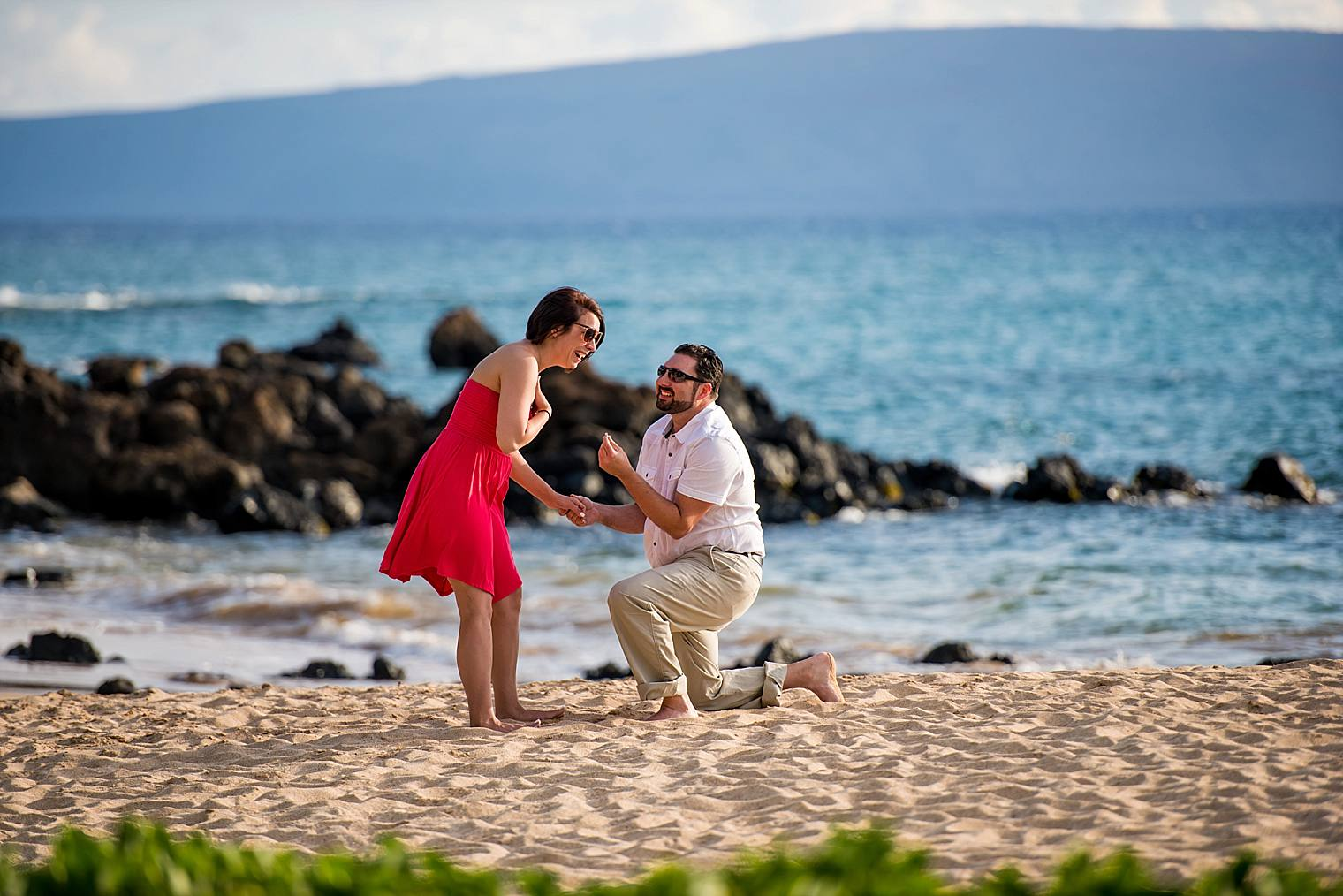 Mike + Michelle | Romantic Scavenger Hunt Proposal in Maui