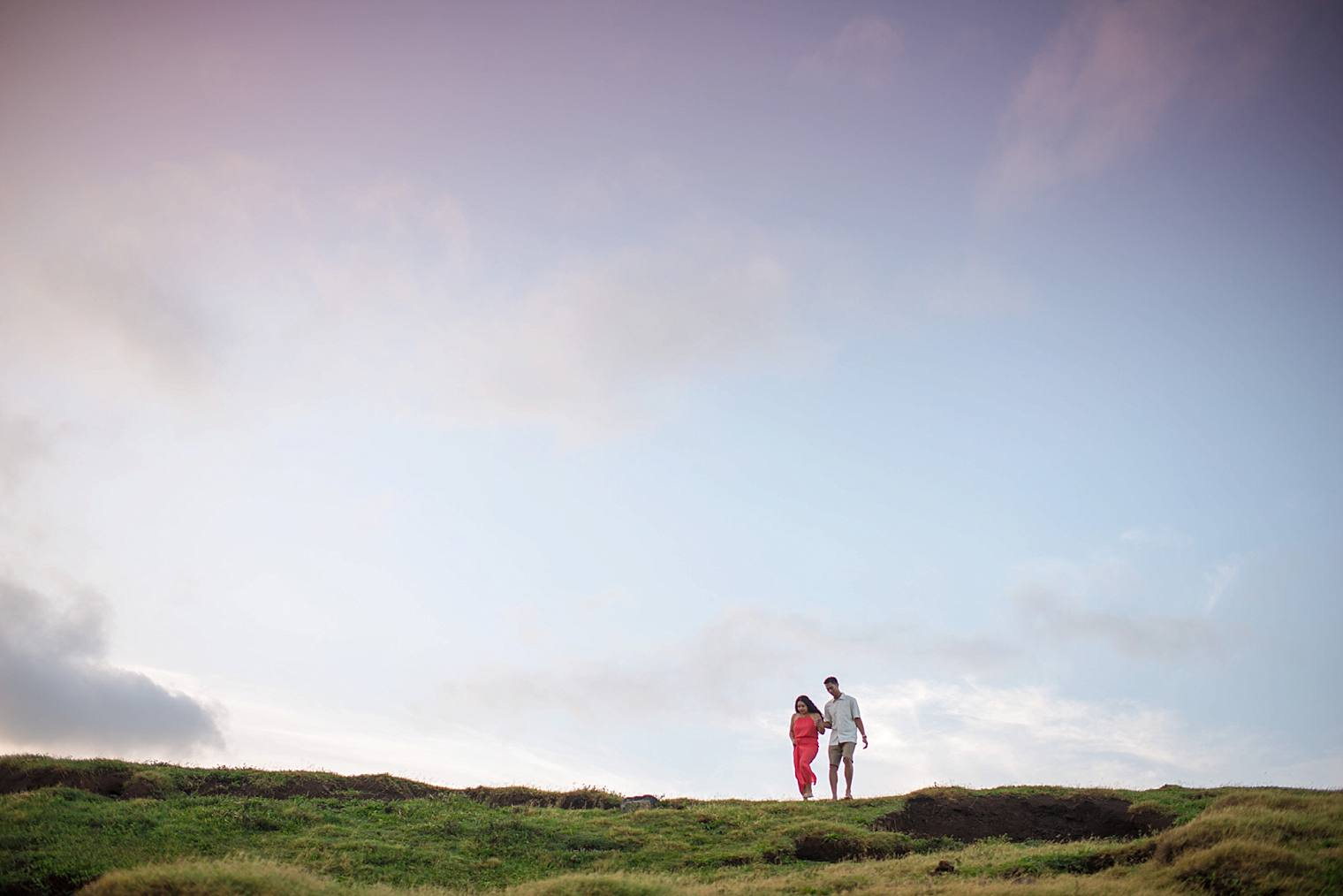 Couple on a cliff in Maui