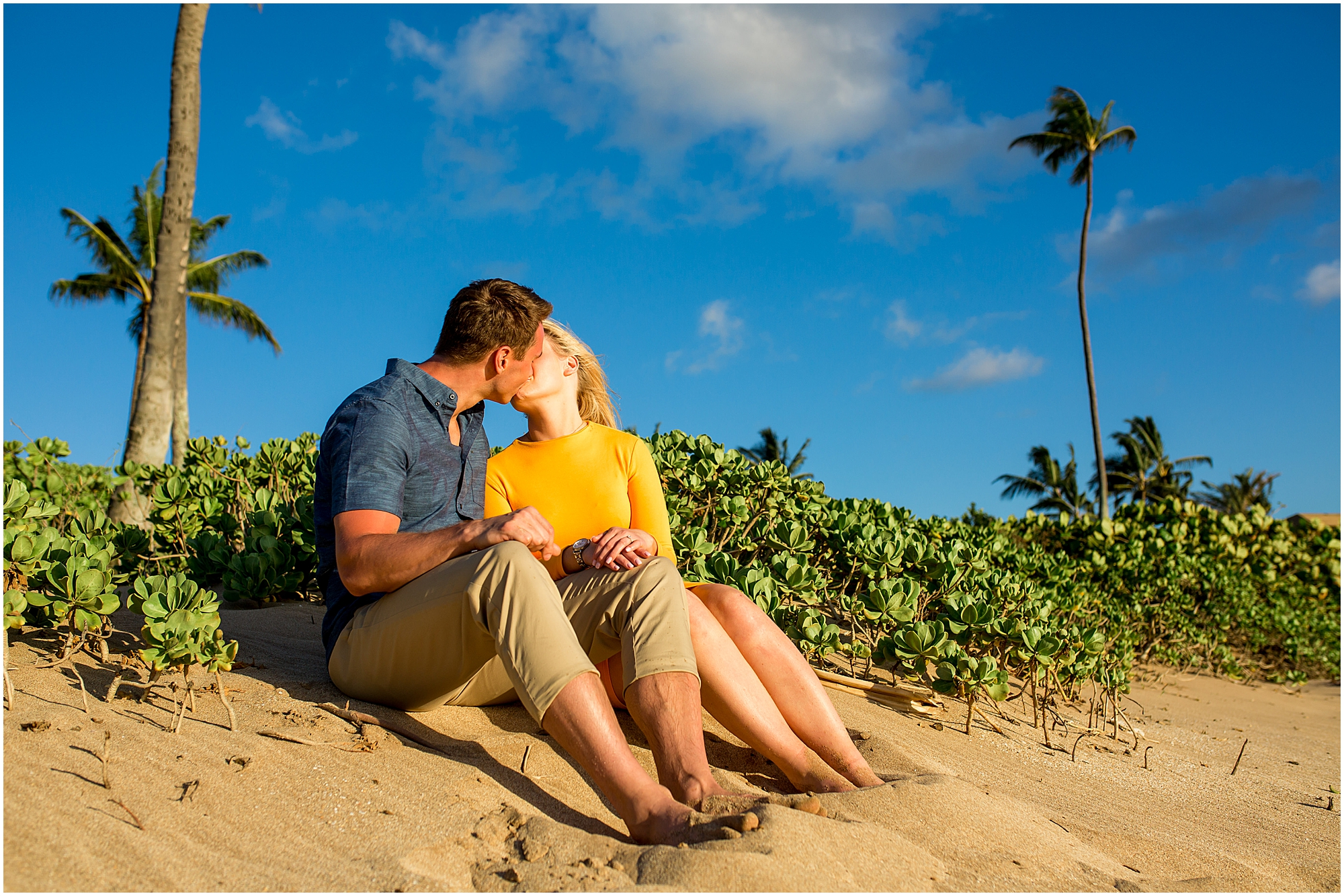 kissing on Maui beach