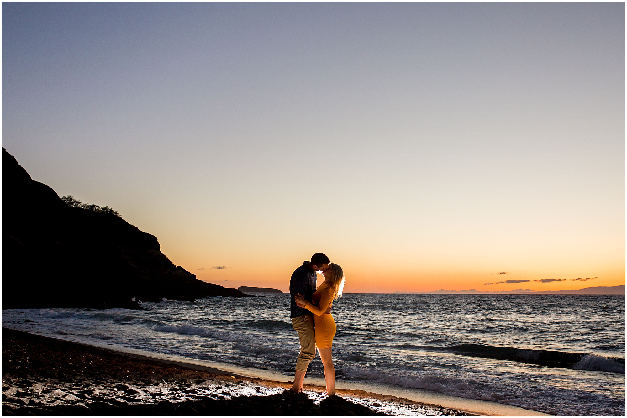 kiss during Maui sunset