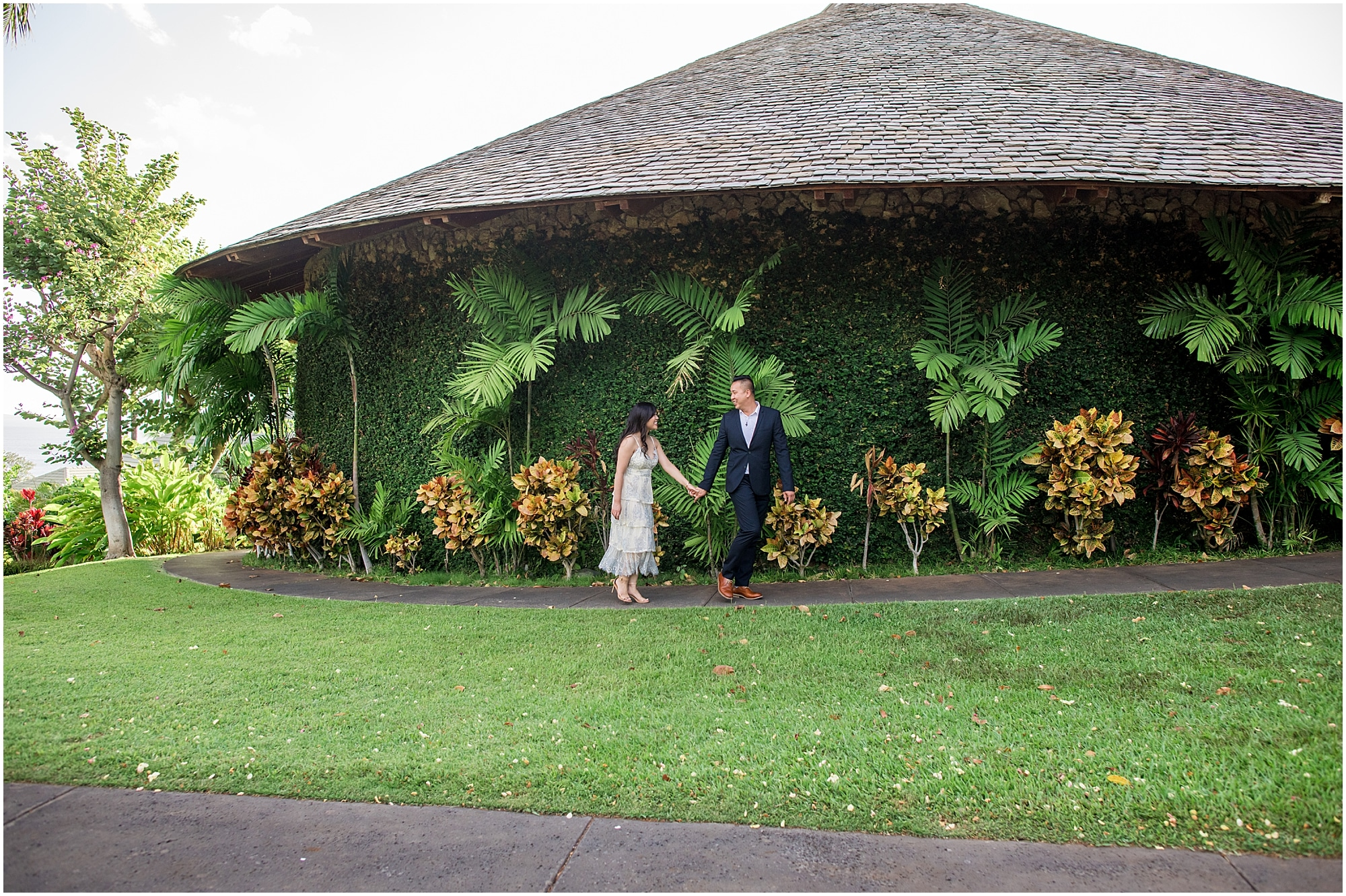 Engagement session at Hotel Wailea after proposal at the treehouse