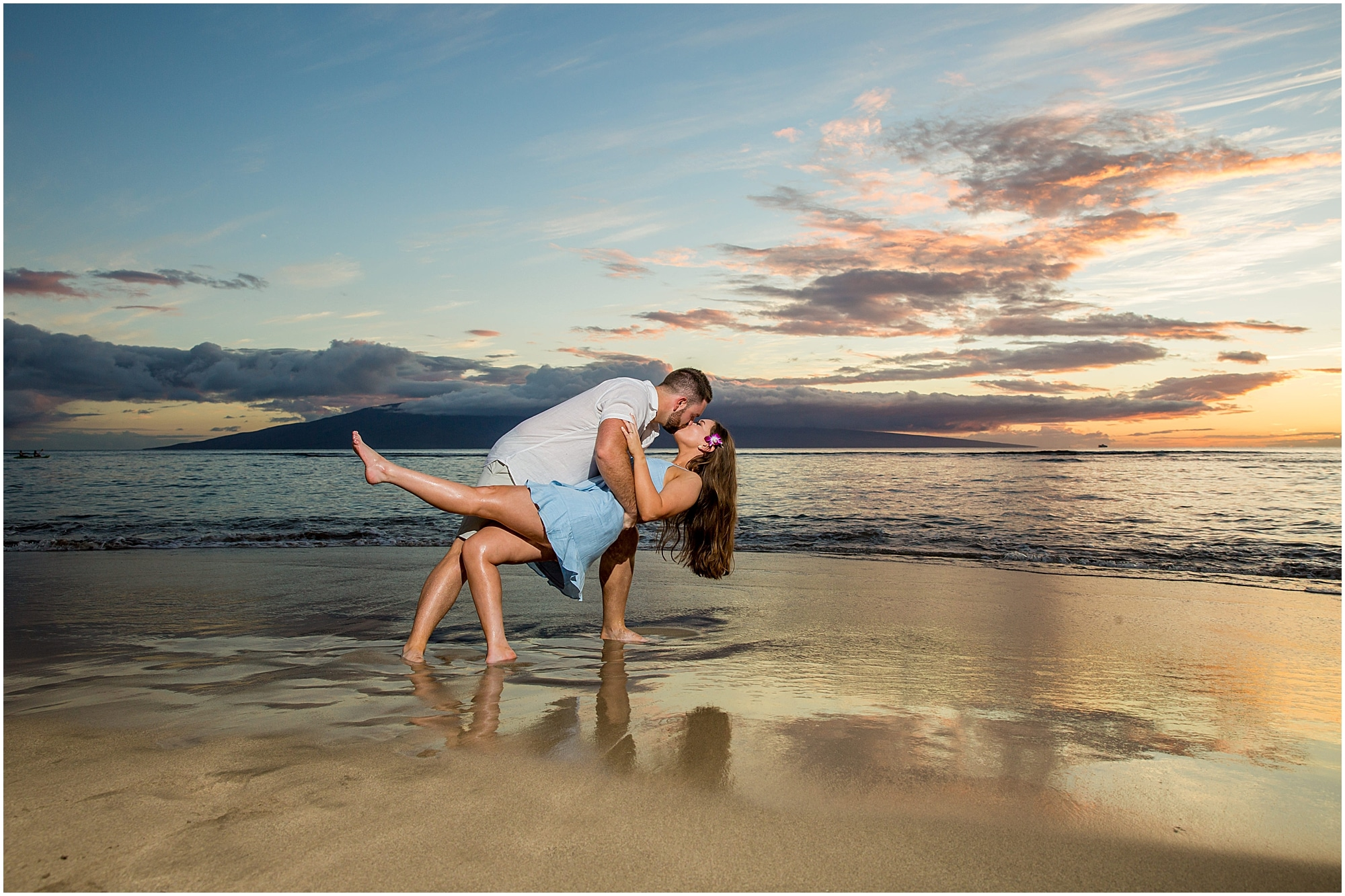 Dip and kiss on the shores of Maui